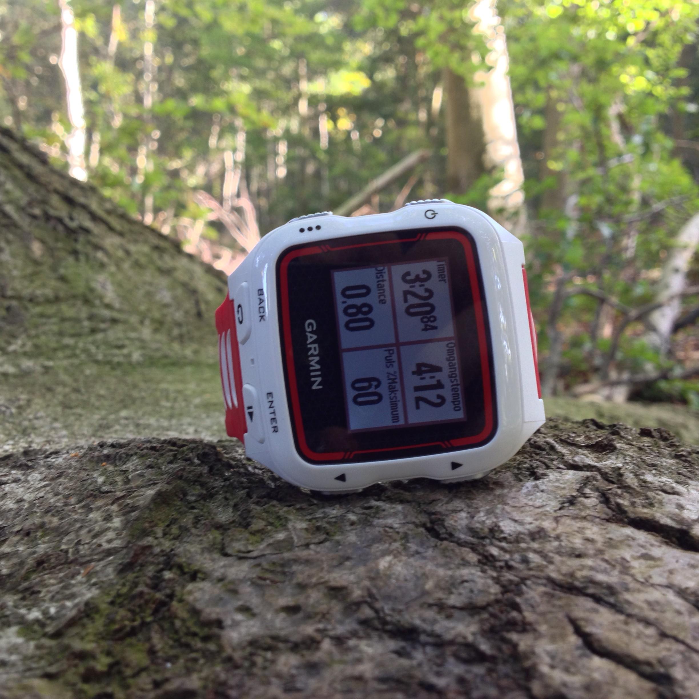 Forerunner 920XT er det nye bud på et top triatlon/multisport ur fra Garmin.