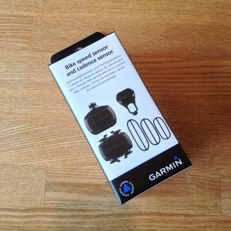 Det magnetløse fart og kadencesensor kit Fra Garmin er nemt at flytte mellem flere cykler.