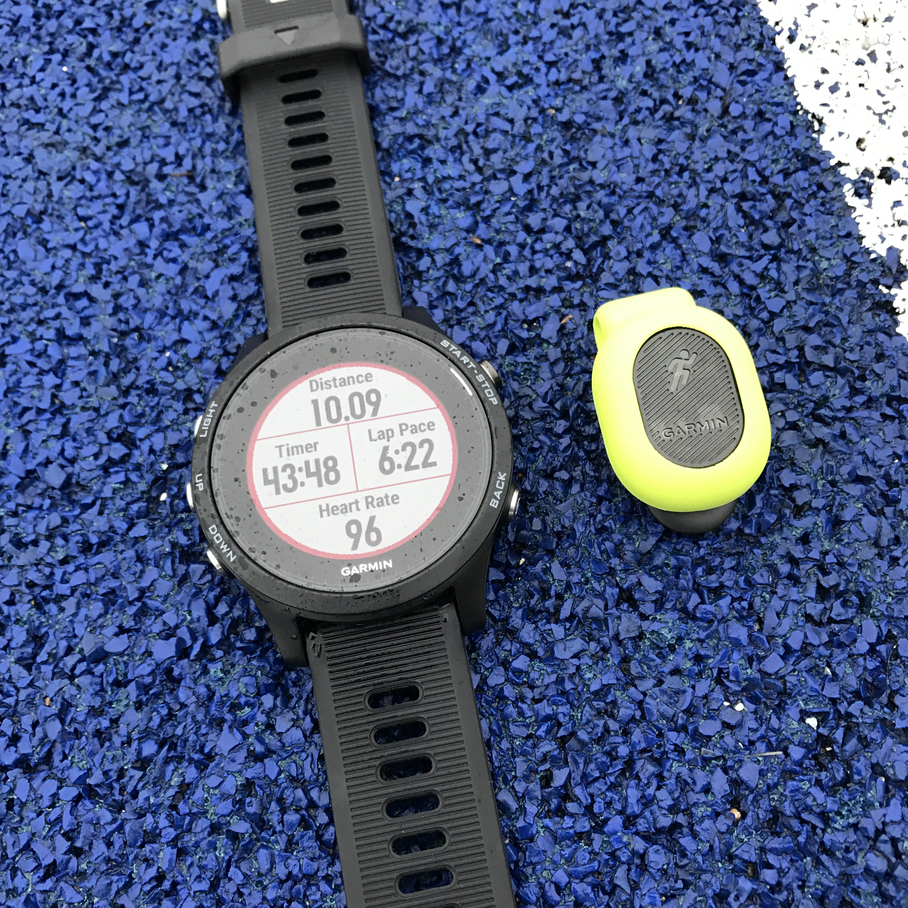 Forerunner 935XT with Running Dynamics Pod