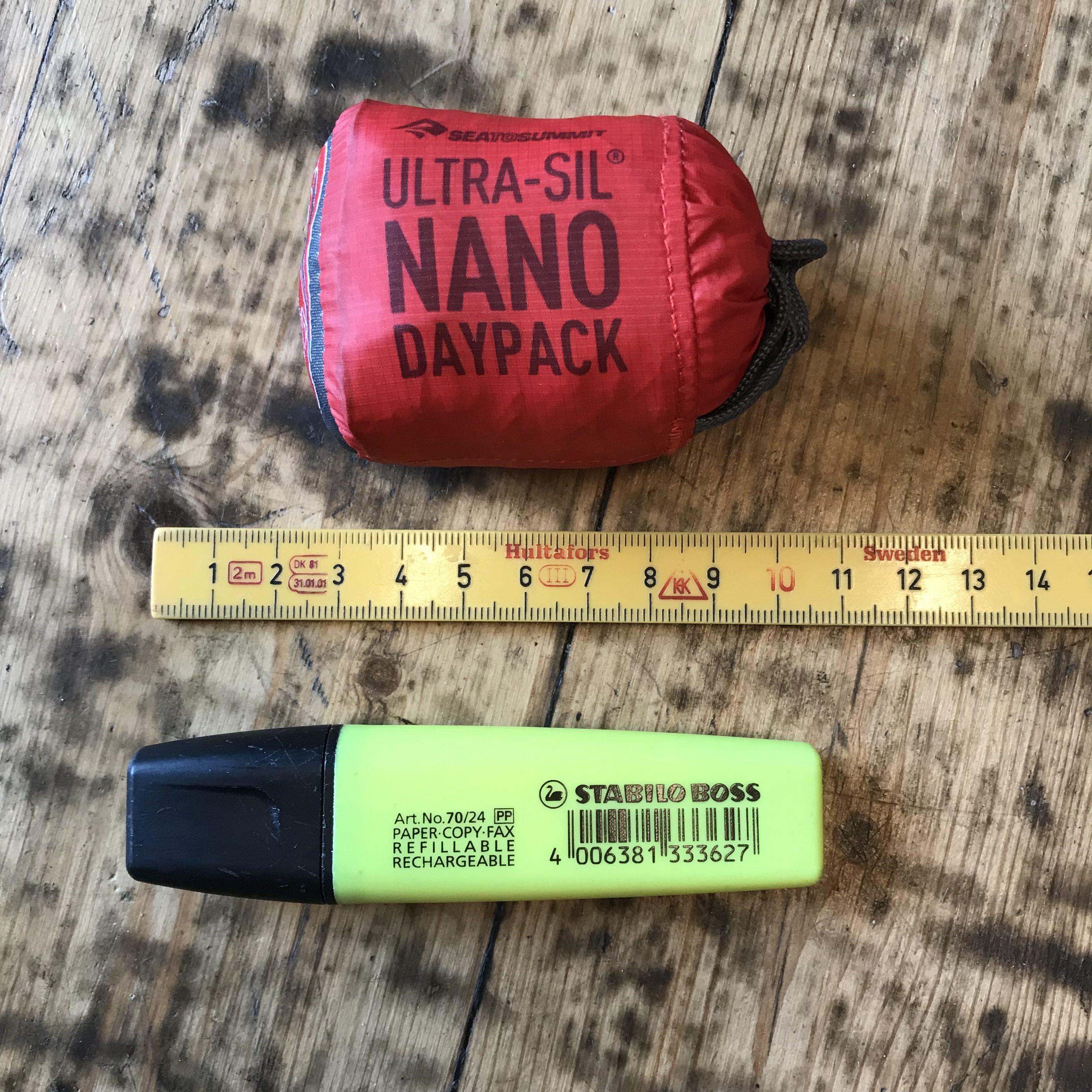 Sea To Summit Ultra-Sil Nano Daypack er den rygsæk jeg kender til med mindst pakvolumen.