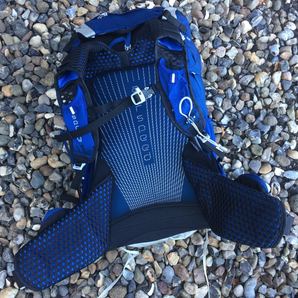 Bæresystemet på Exos 48 er fantastisk godt ventileret. Det gælder både ryg, hoftebælte og skulderremme.